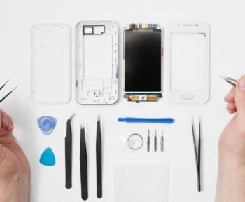 phone repair risk